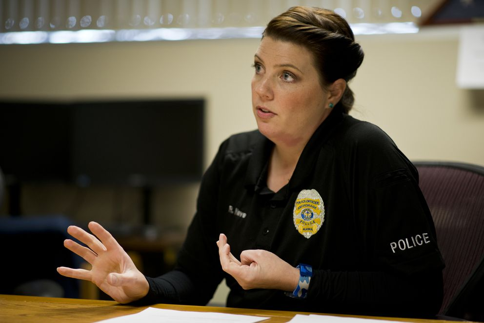 Robin Nave, an Anchorage police officer with the Community Action Policing team, on Nov. 23, 2016. (Marc Lester / Alaska Dispatch News)