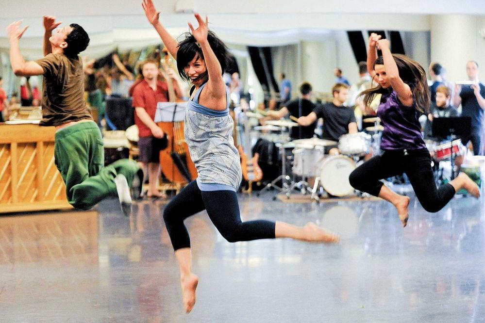 Jose Isaza, Irenerose Castillo and Sabrina McCune rehearse