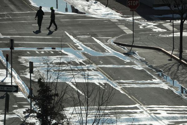 Downtown Anchorage was quiet as people stayed away during the coronavirus pandemic on Sunday, March 22, 2020. (Bill Roth / ADN)