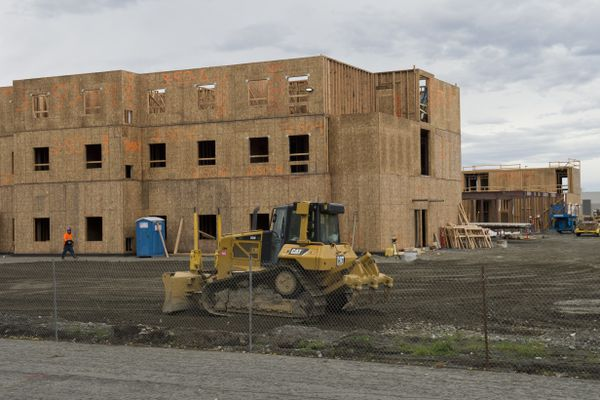 Staybridge Suites is under construction in Midtown Anchorage on October 2, 2017. (Marc Lester / Alaska Dispatch News)