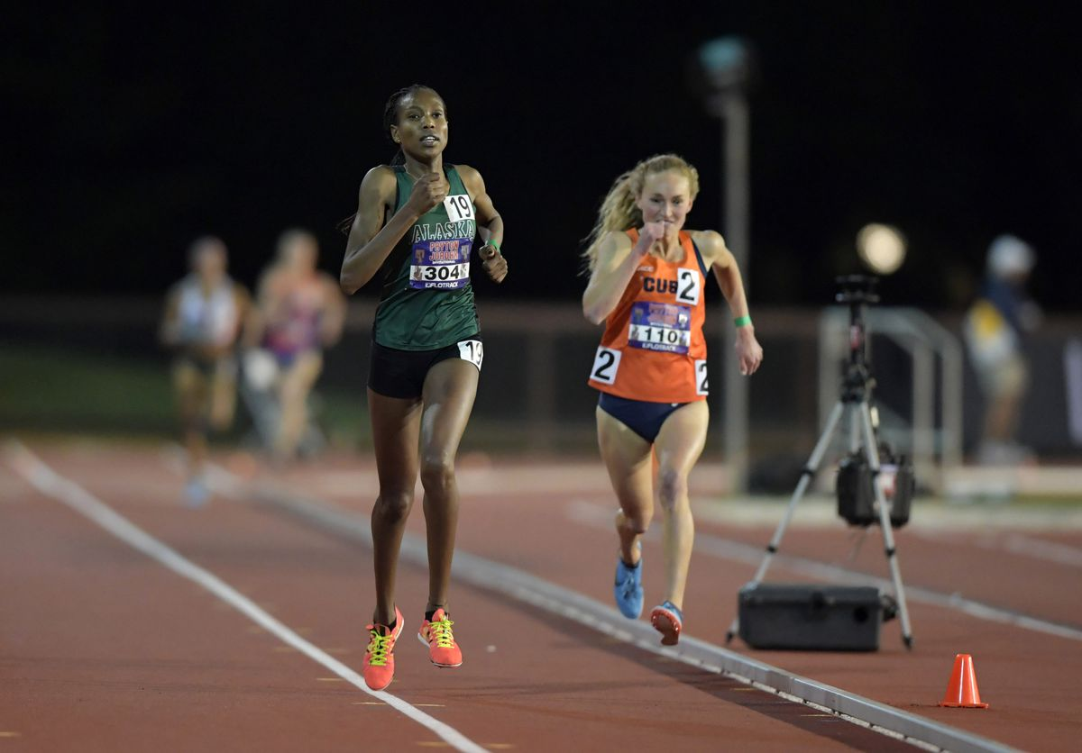 UAA junior Caroline Kurgat (left) defeats Paige Stoner of Syracuse in one of two heats in the women's 5,000 meters Thursday at the Payton Jordan Invitational in Palo Alto, California. (Kirby Lee/USA TODAY Sports)