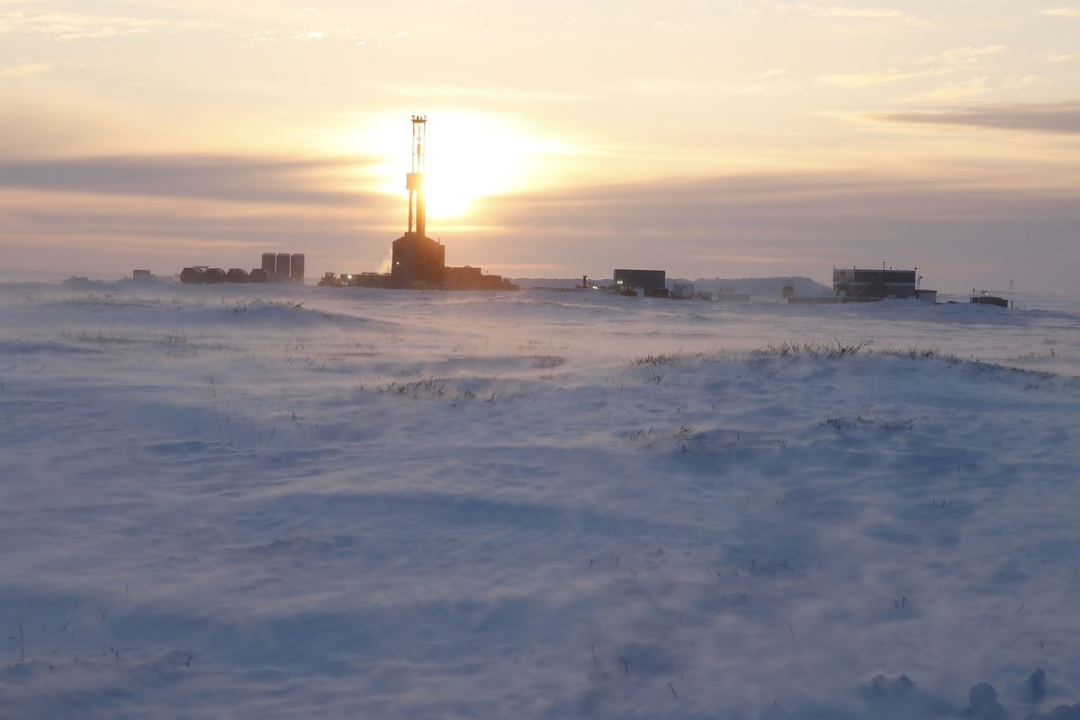 The Kuukpik 5 rig at sunset, drilling the ConocoPhillips' Putu well south of Nuiqsut in mid-February 2018. (Judy Patrick / ConocoPhillips)