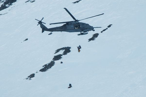 An Alaska Air National Guard HH-60 Pave Hawk helicopter crew rescued injured snowboarder Fred Hurley, 18, near the summit of Mount Marathon on Sunday, March 12, 2017. (Courtesy Eric Chandler)