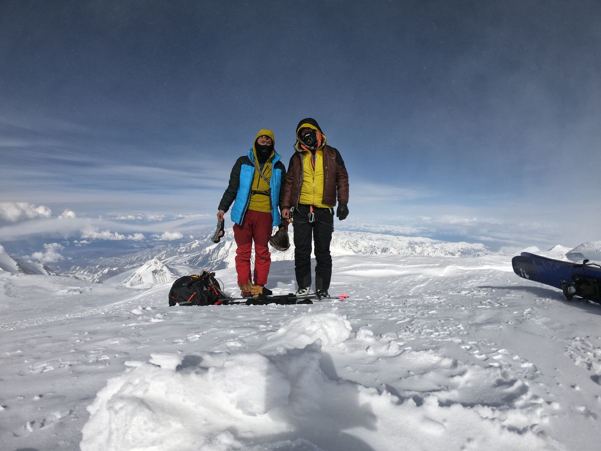 Wilson, left, and Oliver Hoogendorn on their recent climb of Denali. The brothers summited on Sunday, May 19, 2019. (Courtesy the Hoogendorn brothers)