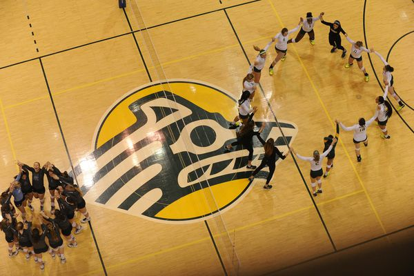 UAA defeated Western Washington 3-1 in the title match of the Division II West Regional Volleyball Championships at the Alaska Airlines Center at UAA in Anchorage, Alaska, on Saturday, December 3, 2016. (Bob Hallinen / Alaska Dispatch News)
