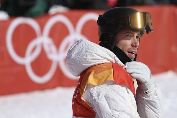 Snowboarding - Pyeongchang 2018 Winter Olympics - Men's Halfpipe Qualification - Phoenix Snow Park - Pyeongchang, South Korea - February 13, 2018 - Shaun White of the U.S. looks on after qualifying. REUTERS/Mike Blake