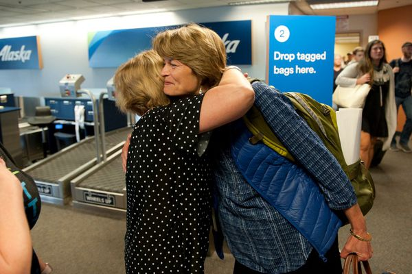 Lisa Murkowski gets a hug from Alaska Airlines Sitka Airport Manager Mandy Odenheimer as she arrives in Sitka Friday afternoon, July 28, 2017. Alaska's senior senator is visiting constituents in Sitka today after voting early this morning in Washington, D.C., on health care repeal legislation. (James Poulson / Sitka Sentinel)