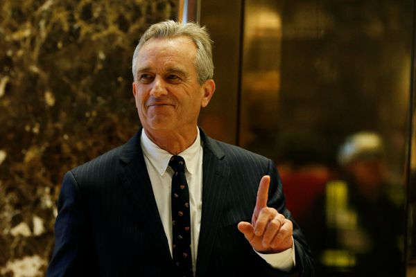 Robert F. Kennedy Jr. gestures while entering the lobby of Trump Tower in Manhattan, New York, U.S., January 10, 2017. REUTERS/Shannon Stapleton