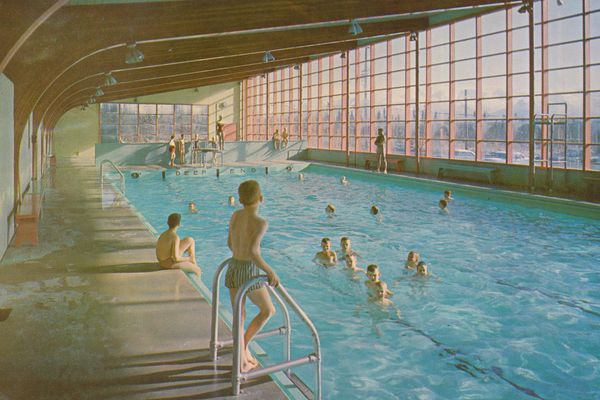 A postcard of The Spa. The indoor pool opened in March 1953. (Photo courtesy of CardboardAmerica.org)