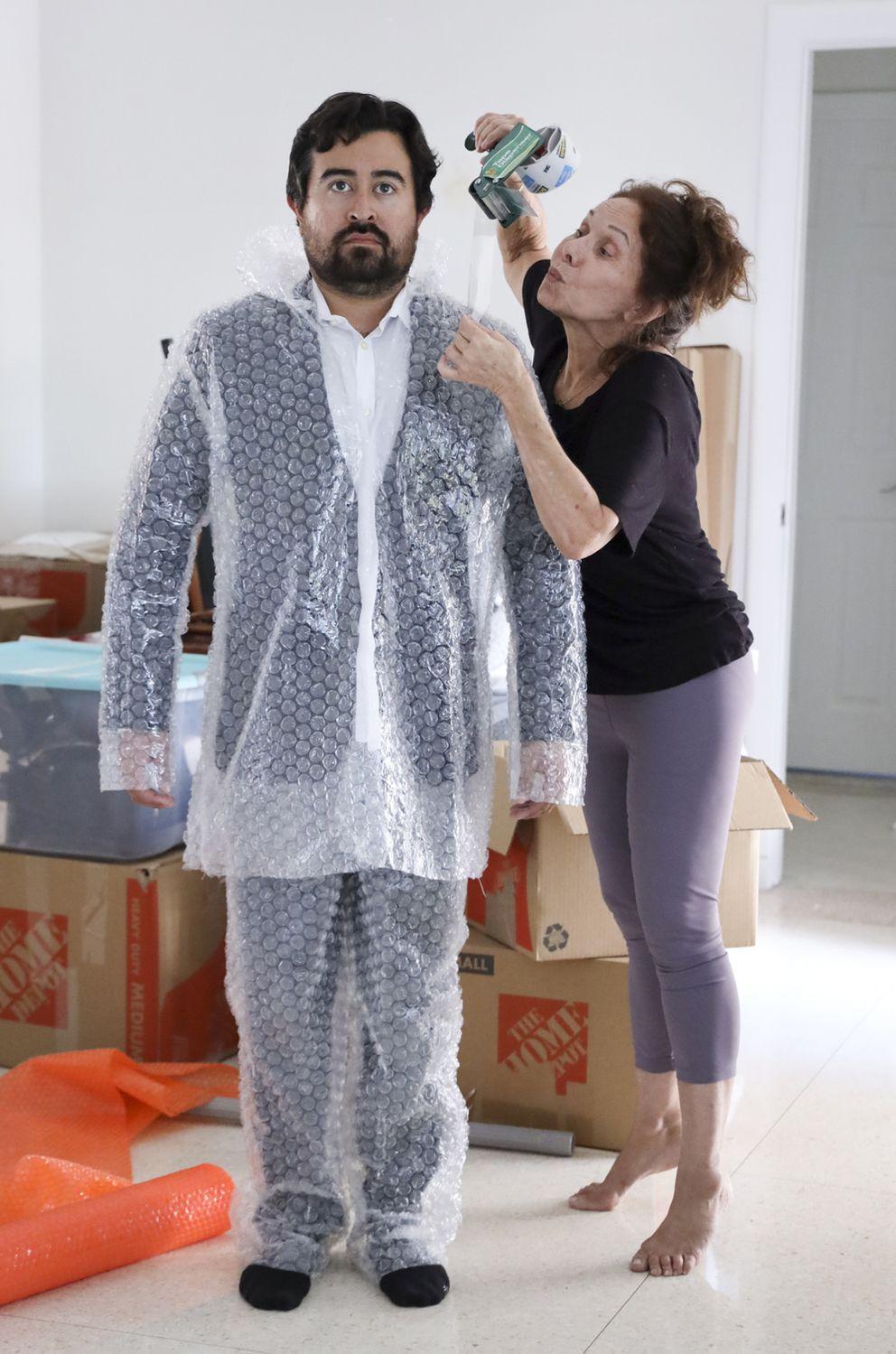 Bubble Wrap Suit (Carle Juste/Miami Herald/TNS)