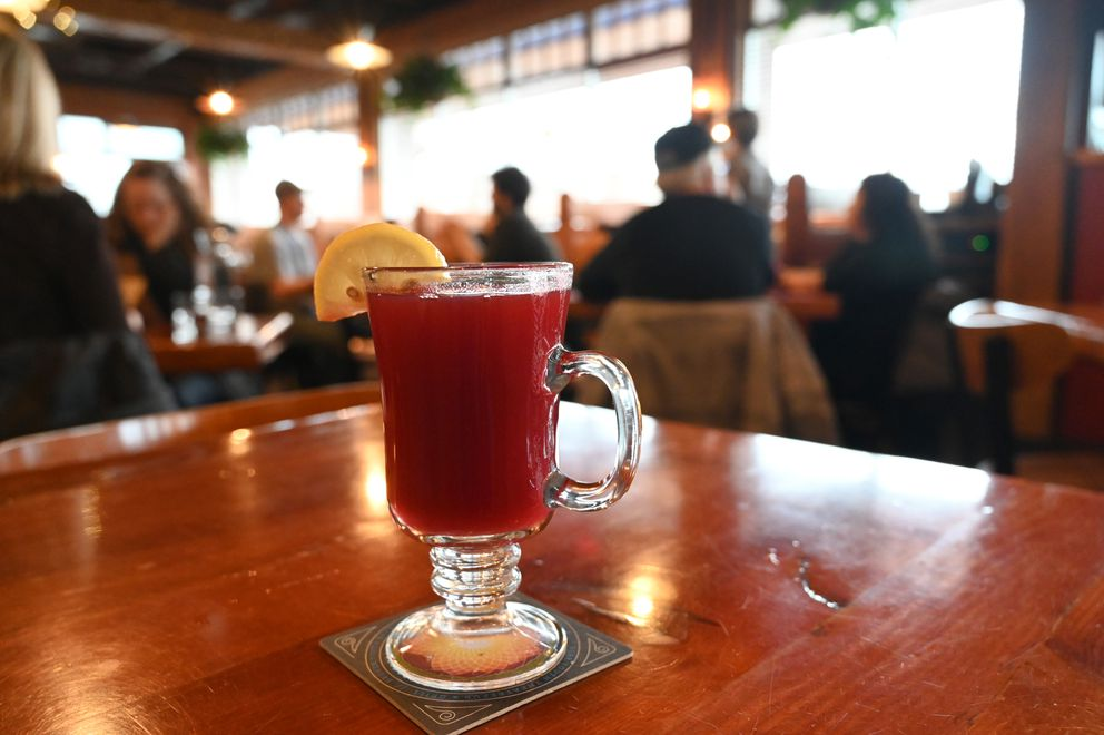 Tim's Cranberry Toddy at Bear Tooth Grill. (Anne Raup / ADN)