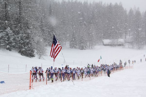 The boys have a mass start to the skiathlon at the World Junior races in Goms, Switzerland, Thurs. Feb 1, 2018. The race was 15K of classic, followed by 15K of skate skiing. (Photo by Glenn Gellert)