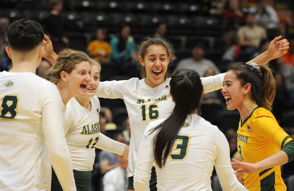UAA celebrates a point during a win last weekend over Saint Martin's. (Bill Roth / ADN)