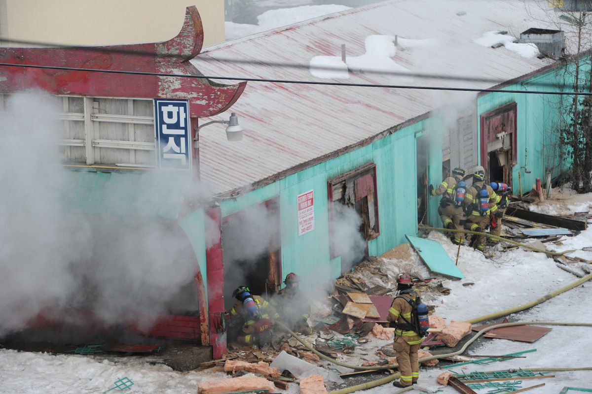 Fire badly damages abandoned restaurant building in Midtown Anchorage