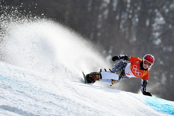 Snowboard - Pyeongchang 2018 Winter Olympics - Women's Parallel Giant Slalom Finals - Phoenix Snow Park - Pyeongchang, South Korea - February 24, 2018 - Ester Ledecka of Czech Republic competes. (Dylan Martinez / Reuters)