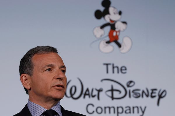 FILE PHOTO: Walt Disney Company Chairman and Chief Executive Officer Robert Iger announces Disney's new standards for food advertising on their programming targeting kids and families at the Newseum in Washington June 5, 2012. REUTERS/Gary Cameron/File Photo