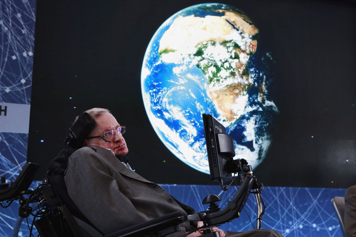 Physicist Stephen Hawking sits on stage during an announcement of the Breakthrough Starshot initiative with investor Yuri Milner in New York April 12, 2016. REUTERS/Lucas Jackson/File Photo