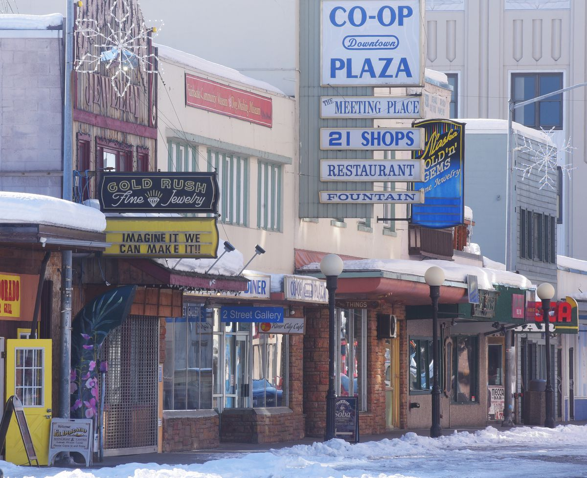 Second Avenue was quiet as downtown businesses were closed due to the COVID-19 pandemic in Fairbanks on March 31, 2020. (Photo by Eric Engman)