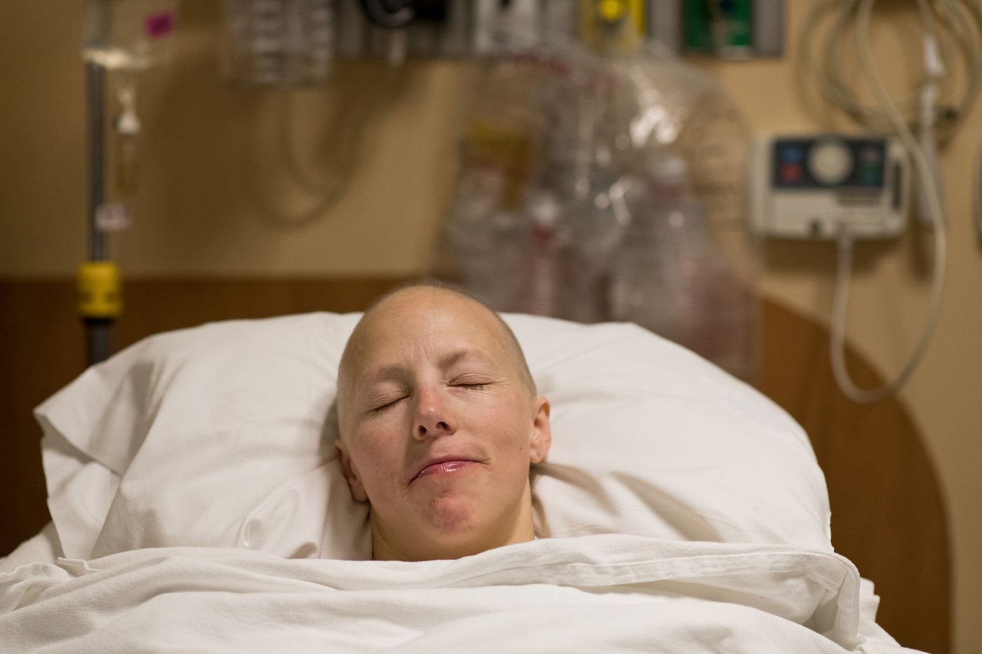 Kikkan Randall recovers in the moments after her lumpectomy surgery at Providence Alaska Medical Center on Nov. 8. (Marc Lester / ADN)