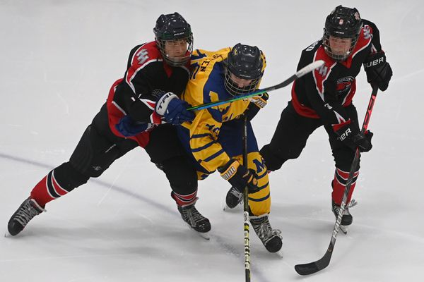 Homer Mariners' 6-3 victory over the Houston Hawks during the First National Cup Division II state hockey tournament at the Menard Center in Wasilla on Thursday, Feb. 18, 2021. (Bill Roth / ADN)