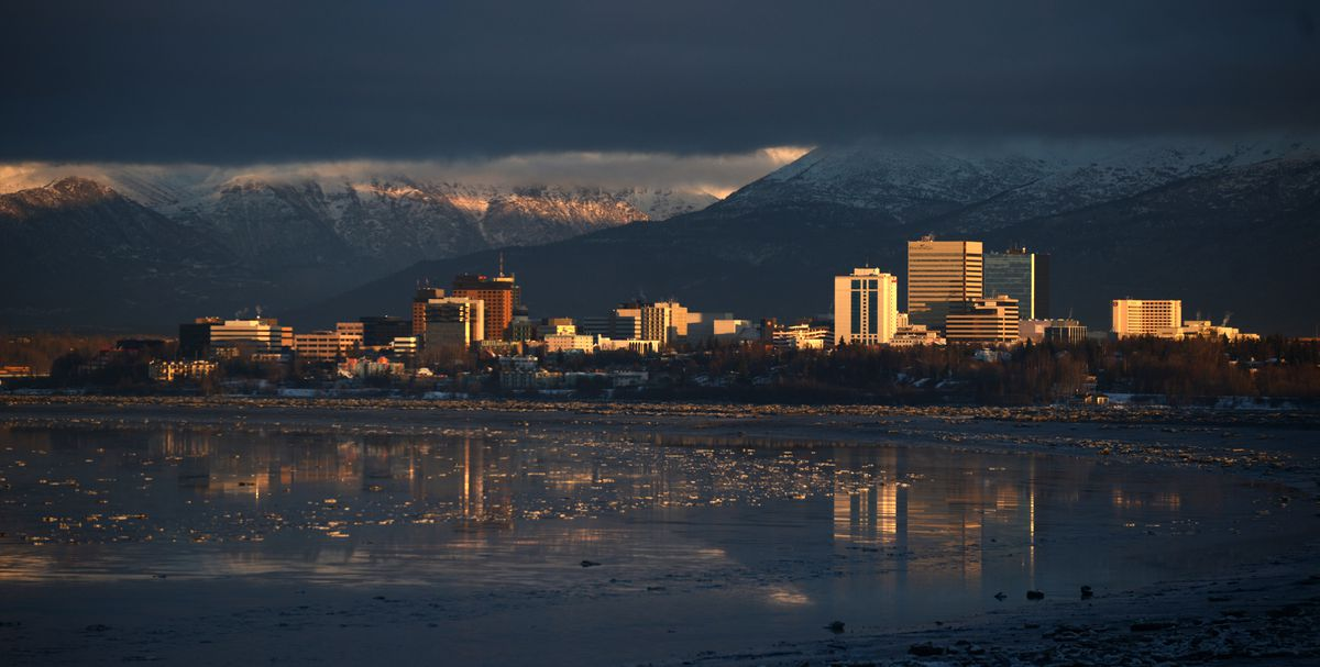 Anchorage, December 2017. (Bob Hallinen / ADN)