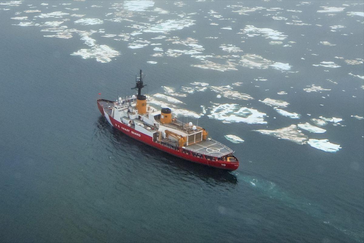 The Coast Guard cutter Polar Star transits near the beginning of the ice edge in the Chukchi Sea north of Wainwrighton July 16, 2013. (Petty Officer 1st Class Sara Mooers / U.S. Coast Guard)