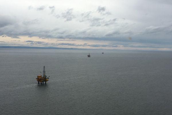 A Hilcorp platform sits in Cook Inlet last year. (Alex DeMarban / ADN)